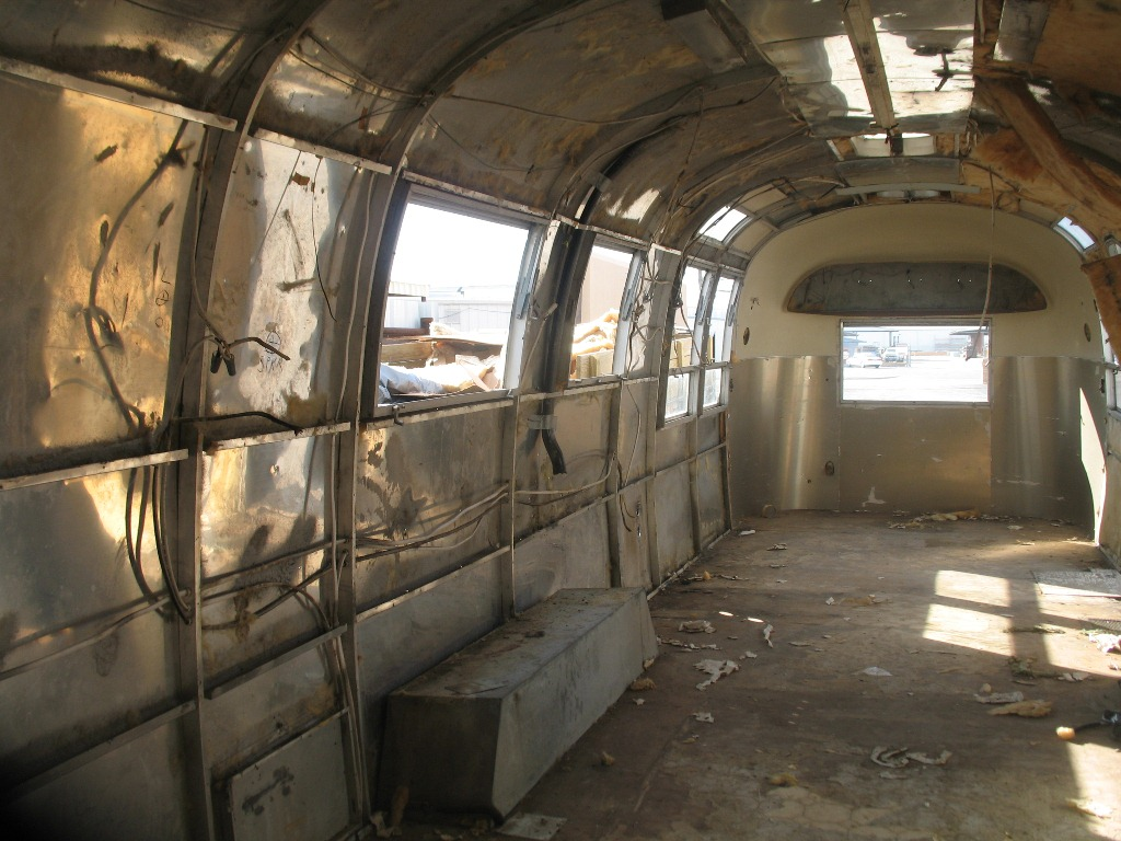 Project Airstream 1967 Amp 1977 Airstream Sovereign